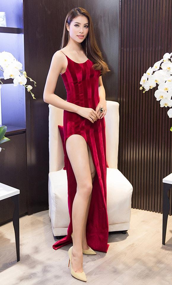 Phạm Hương diện váy xẻ cao vút khoe chân dài miên man sau khi trở về từ Indonesia - Ảnh 5