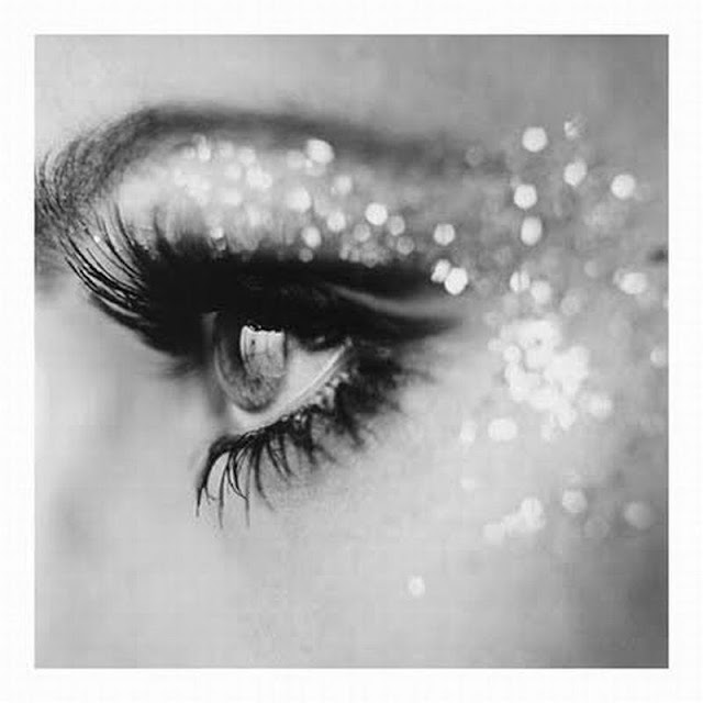 Glitter eye make up - beauty blog