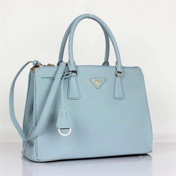 Túi xách hàng hiệu gam màu xanh nhạt cá tính