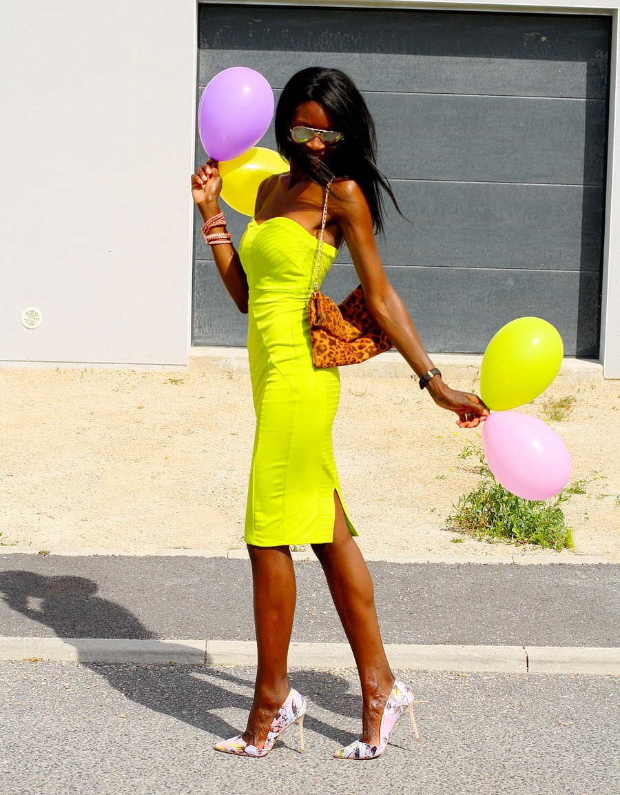 birthday-girl-ootd-bodycon-dress-asos-leopard-clutch-ray-ban-aviateur