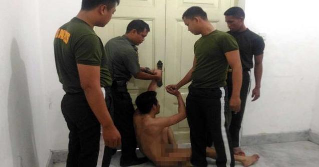 Aksi Nekat Pria Tanpa Busana Masuk ke Istana, Ternyata Mau Merayakan Hari Pernikahannya