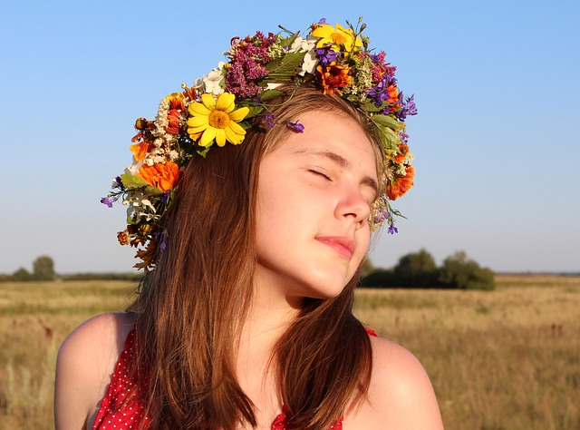 ảnh cô gái mùa thu đẹp