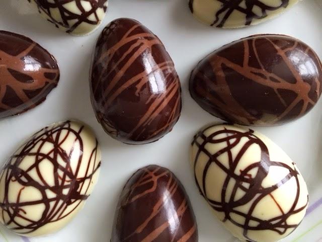 The Ultimate Chocolate Blog: White Chocolate & Peanut ...