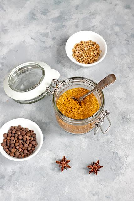 domowa przyprawa curry jak zrobić