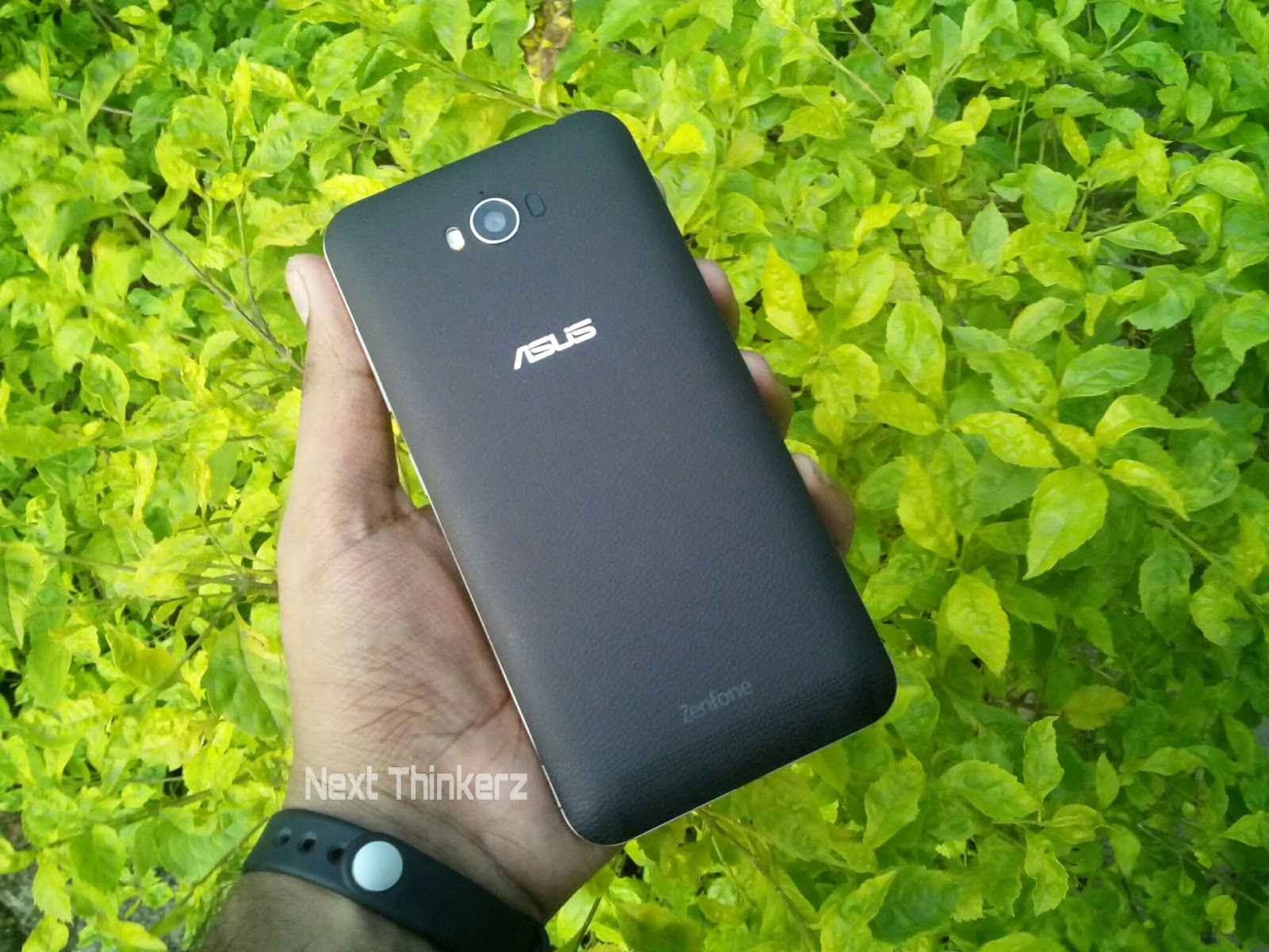 Upgraded Asus Zenfone Max 2016zc550kl Launched While Sonakshi Zc550kl 2 32gb Black 2016 Back