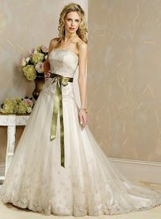 تألقى باجمل فساتين الزفاف فى يوم عرسك
