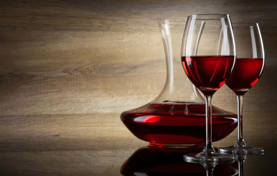 wine-red-wine-glasses-decanters-shadow-wallpaper