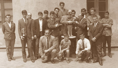 Algunos componentes del equipo del C.C. Sant Andreu en 1966