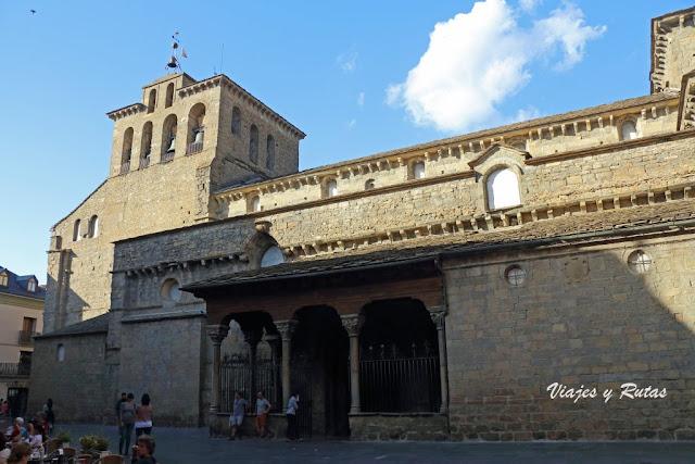 Catedral de Jaca, Vista general