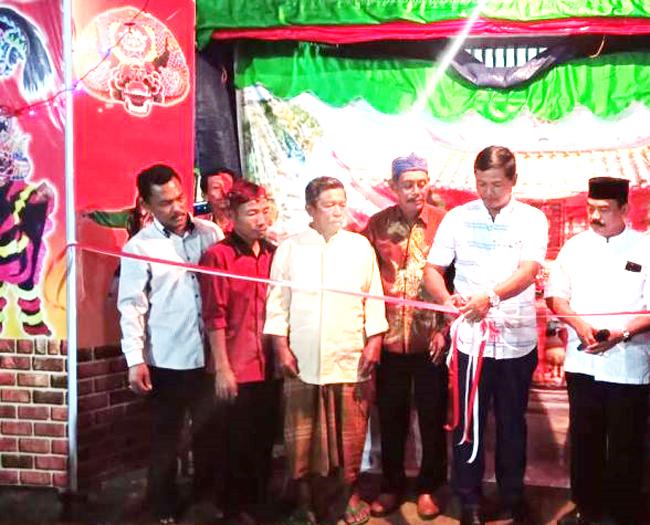 Resmikan Sanggar Kesnian, Ketua DPRD Tuba Meminta Warga Lestarikan Warisan Budaya