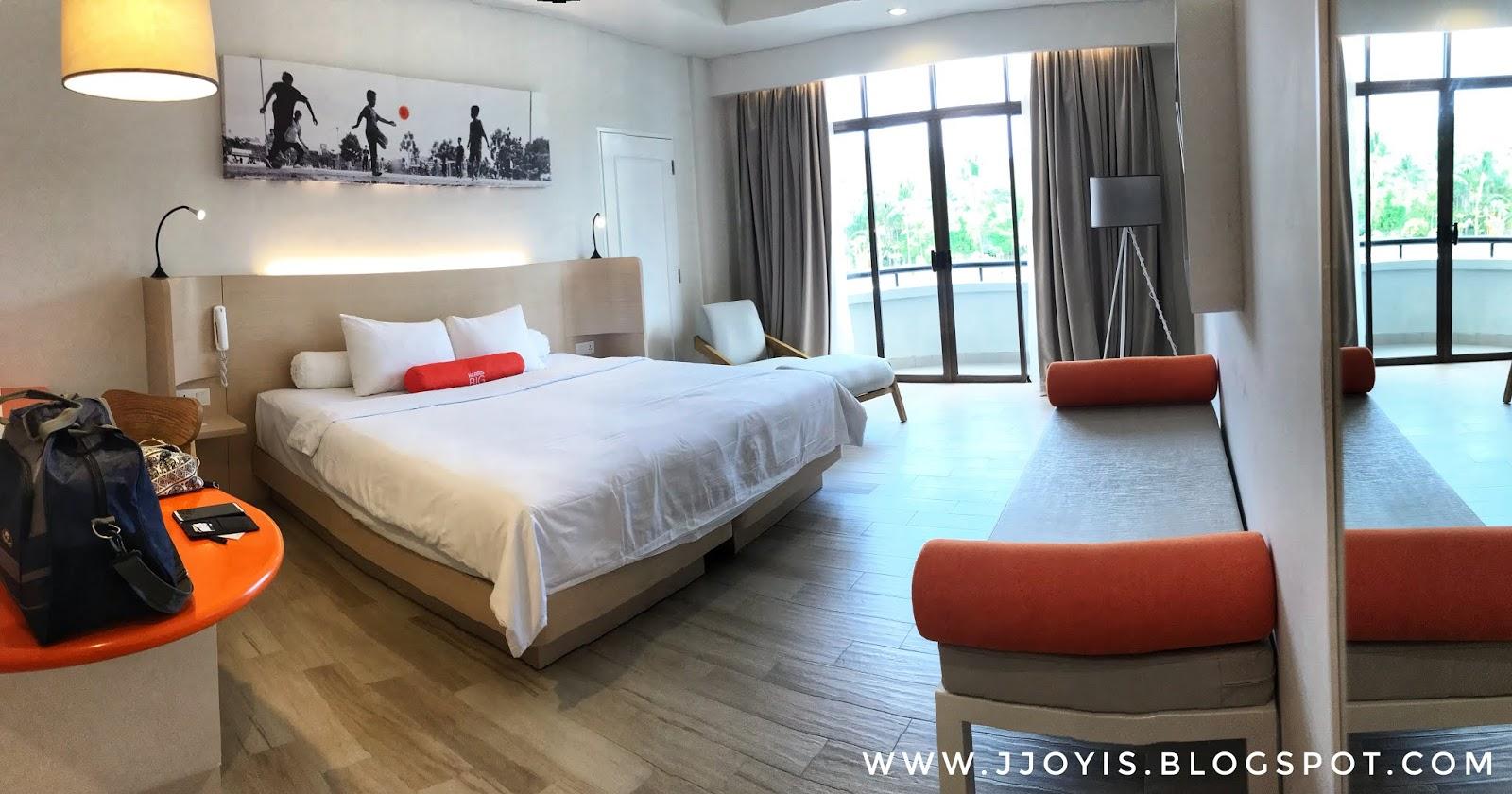 harris waterfront batam review room tour 2019 harris room family room'