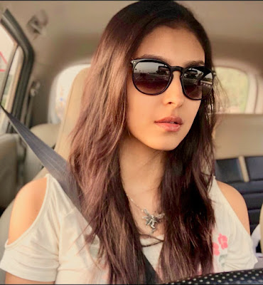 Navneet Kaur Dhillon Wiki, Height, Weight, Age, Husband, Family and Biography