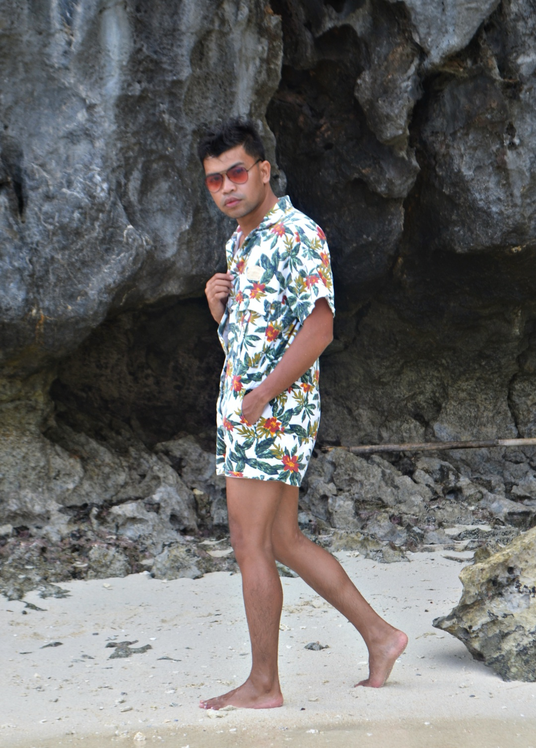 CEBU-FASHION-BLOGGER-MEN-ALMOSTABLOGGER-ROMPER.jpg