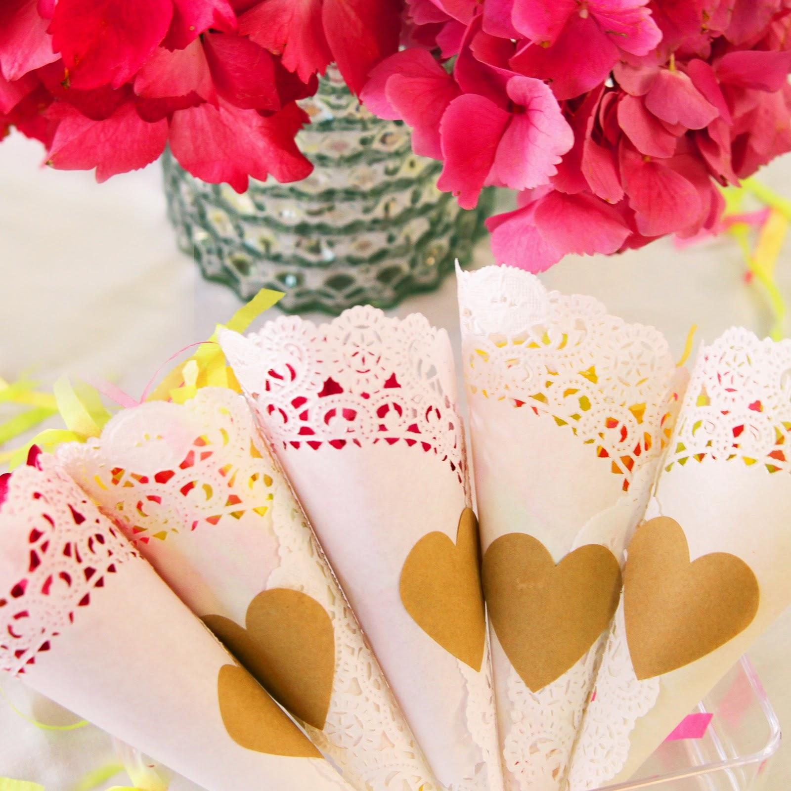 cone de pétalas Doilies de papel