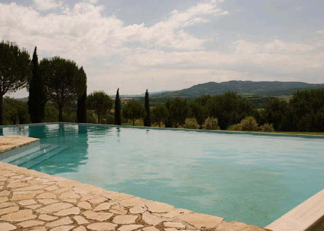 Il Cortile Buonconvento, image via Frank Knight Properties as seen on linenandlavender.net
