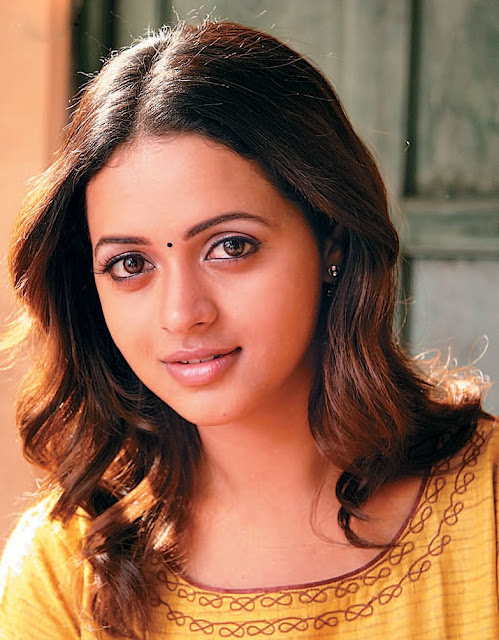 Heroine Bhavana Kidnapped And Harassed