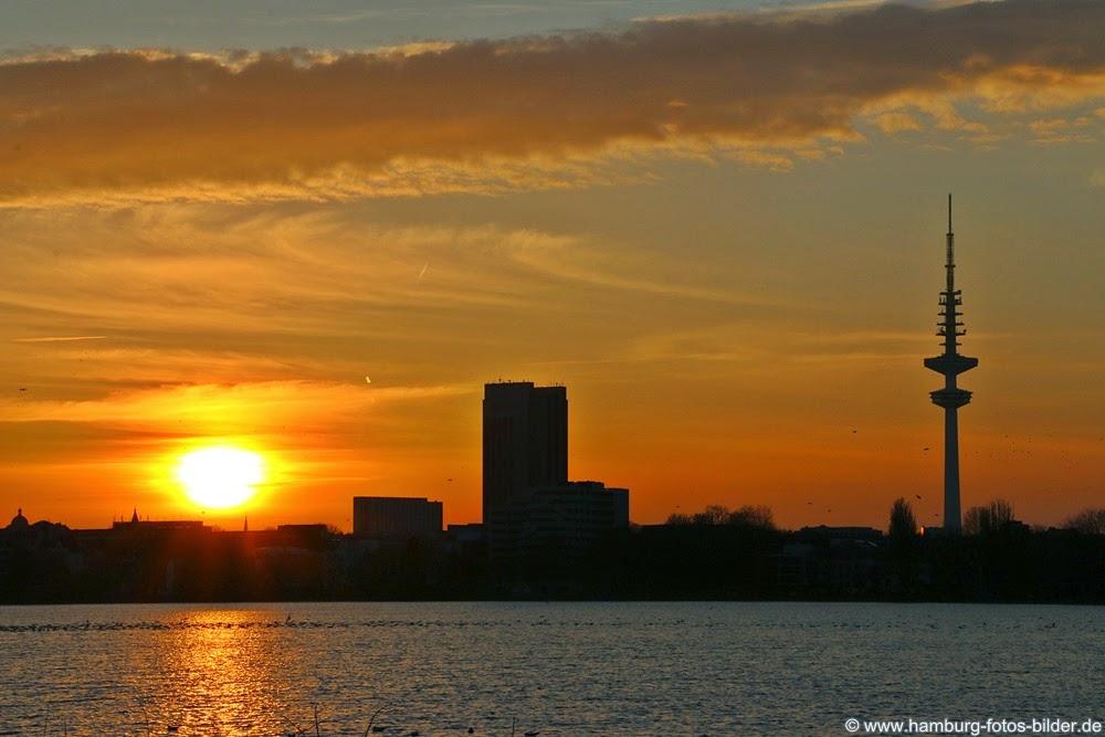 Sonnenuntergang über der Außenalster Hamburg