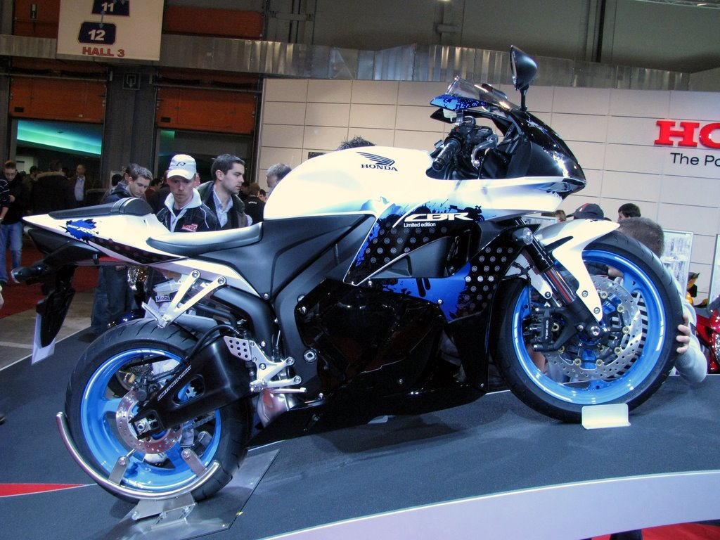 Fast Bikes Online Honda Cbr 600 Limited Edition