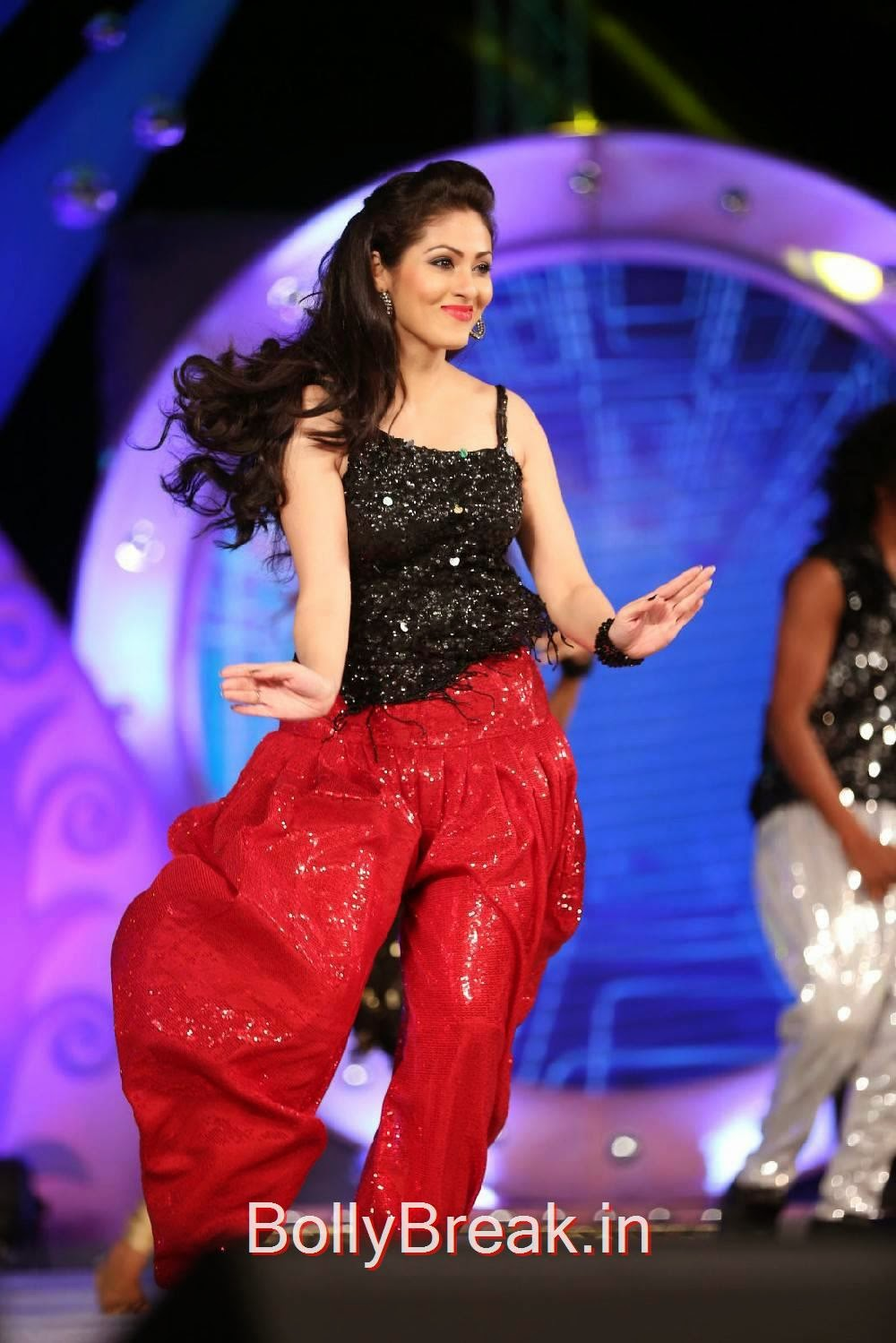 Actress Sada Sexy Dance Moves At Gama Music Awards 2014