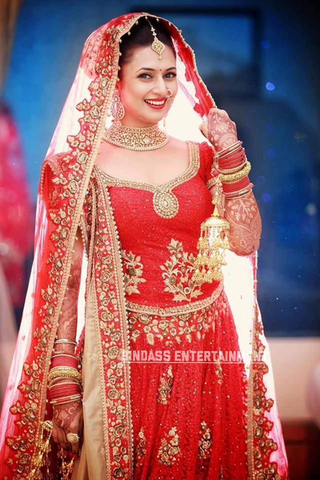 Divyanka Tripathi Wedding Dress 3