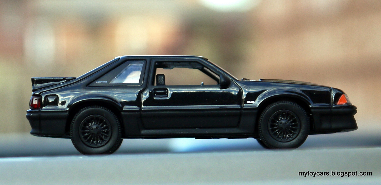 Greenlight 1989 ford mustang gt