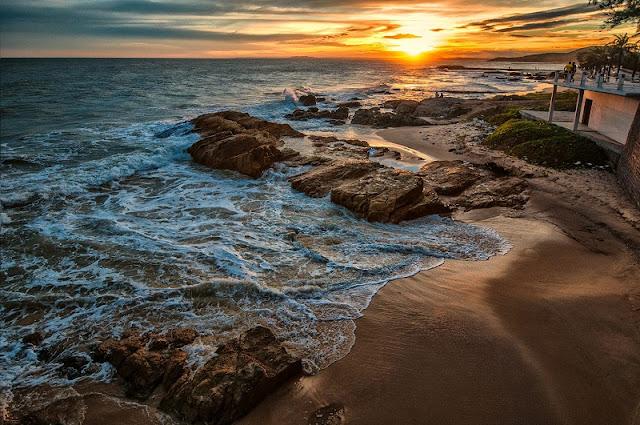 Top 5 ideal Vietnam beaches in summer 3