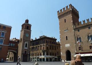 Palacio Ducal o Municipal de Ferrara.