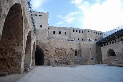 Bisanzio la caduta di san giovanni d 39 acri 1291 - Finestra che si apre sul lato superiore ...