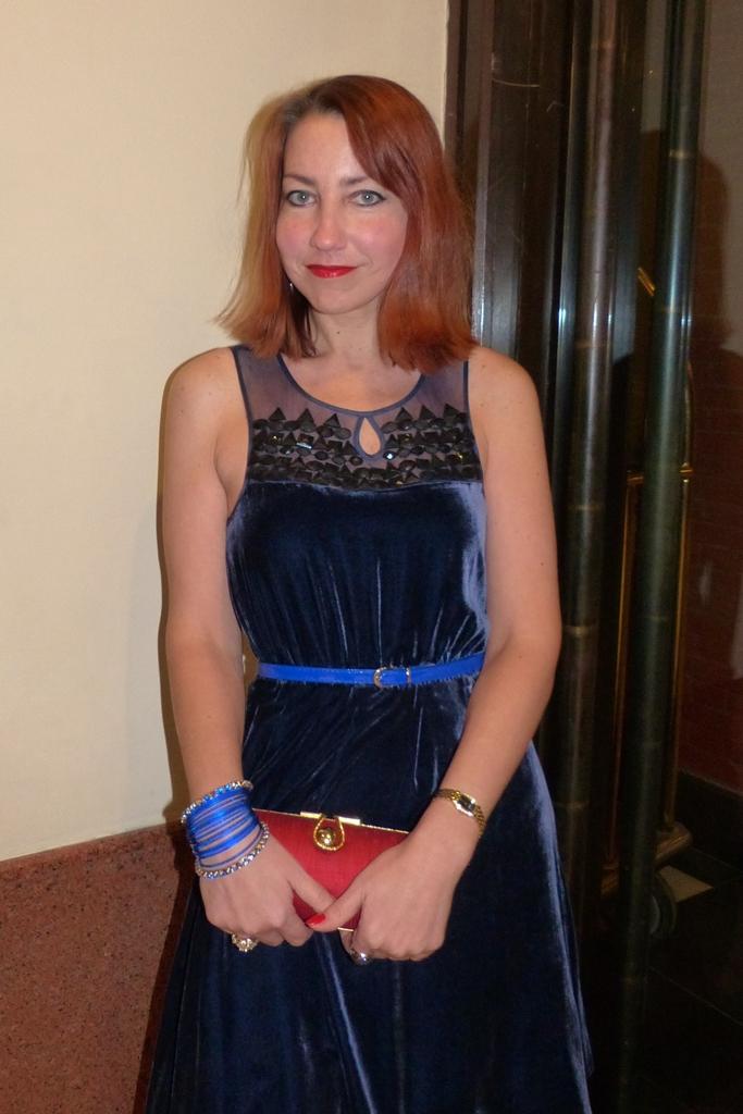 Velvet dress in dark blue embellished with rhinestones