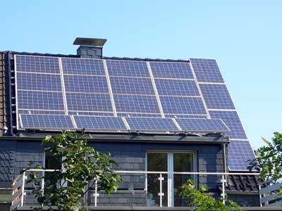 strom sparen unterschiede zwischen solarthermie und photovoltaik. Black Bedroom Furniture Sets. Home Design Ideas