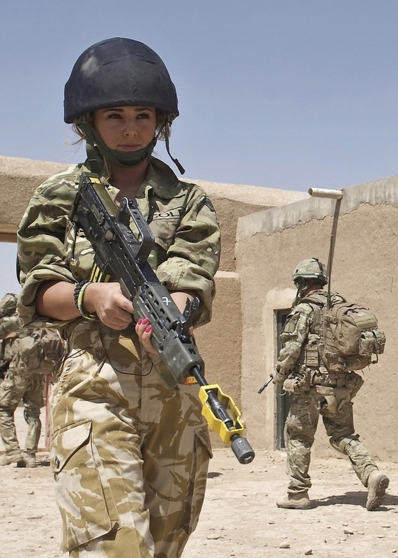 Demonstration By 42 Commando Royal Marines In Afghanistan