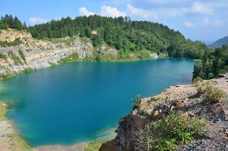 Danau Biru Tamosa di Sawahlunto
