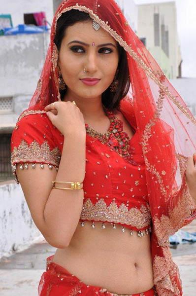 Ista sakhi movie heroine anu smruthi pics