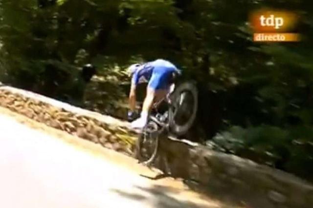 El ciclista belga Philippe Gilbert en su caída de este martes en el Tour de France