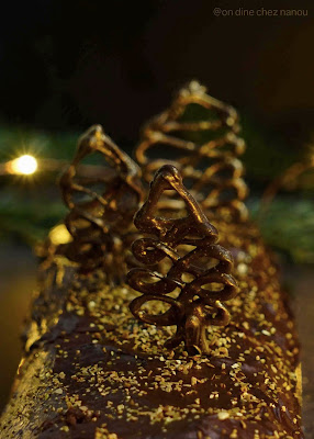 chocolat noir , sapin , décoration de bûche , facile à faire