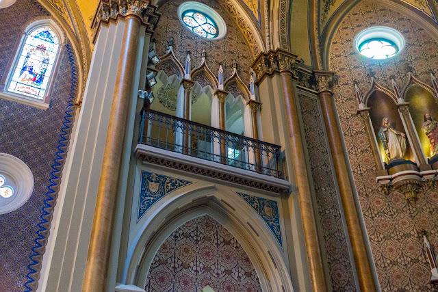 A Catedral de Curitiba - detalhes do interior - balcão