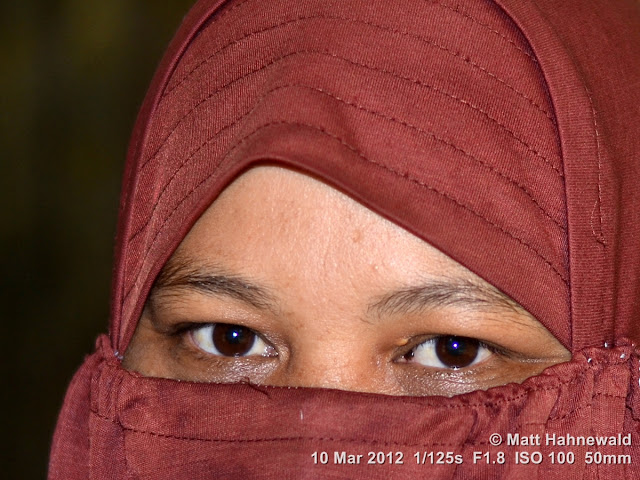 people, street portrait, headshot, face, eyes, eye contact, niqab, Muslim lady, sexy eyes, Indonesia, Sumatra, Medan