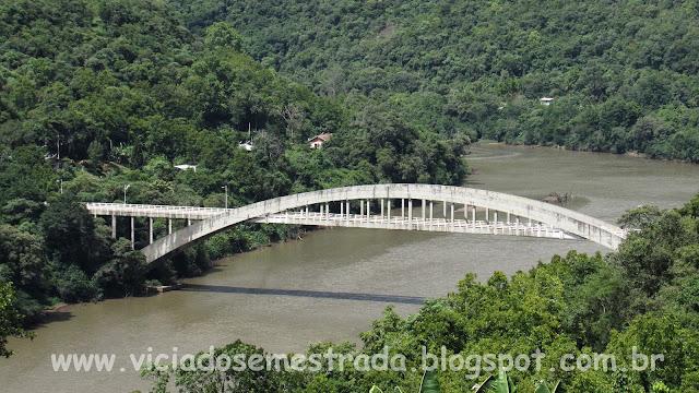 Ponte Ernesto Dorneles, sobre o Rio das Antas