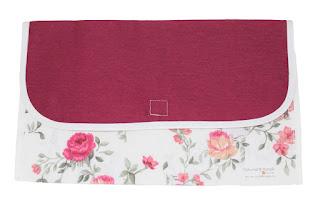 delantal con motivos florales