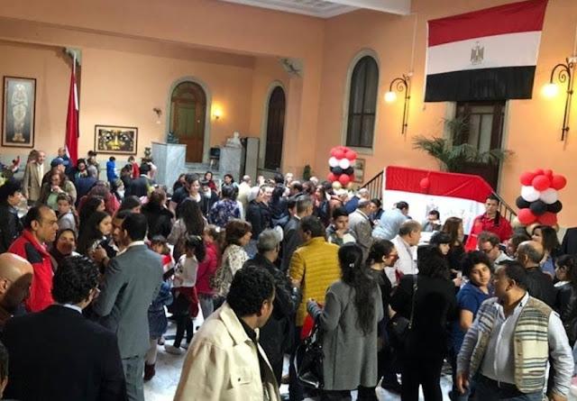 المصريون يواصلون التصويت على تعديلات الدستور لليوم الأخير، ولا تمديد ليوم آخر