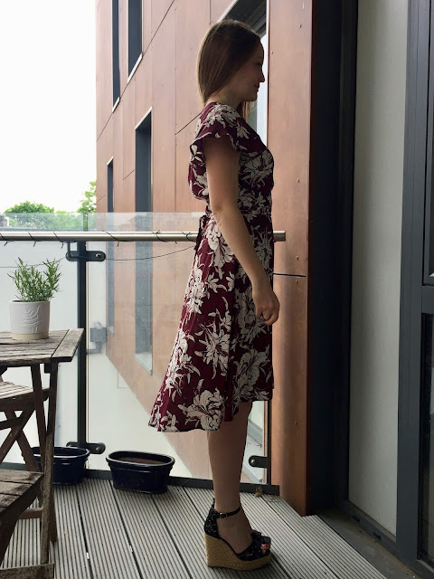 Diary of a Chain Stitcher: Sew Over It Eve Dress in Maroon Floral Viscose