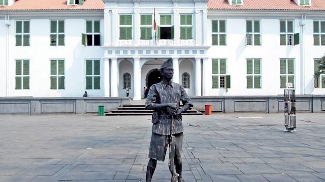 Manusia Batu Tentara Indonesia