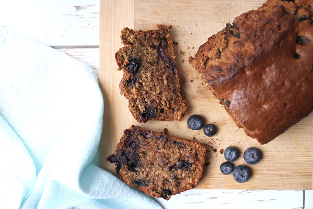 Vegan banana and blueberry bread recipe