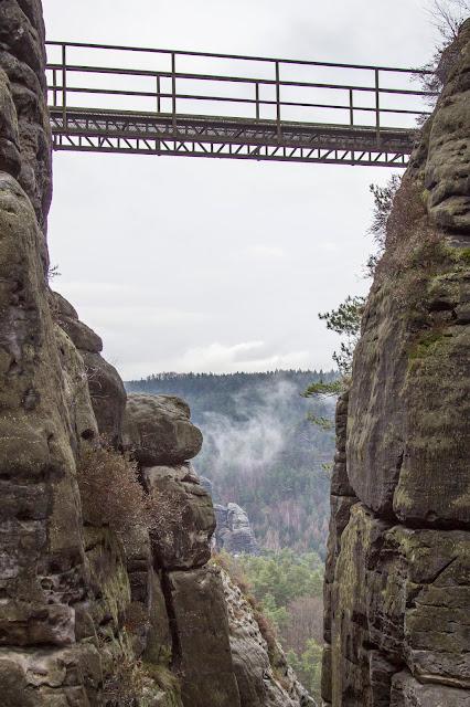 rundweg saechsische schweiz bastei basteibruecke elbsandsteingebirge 03
