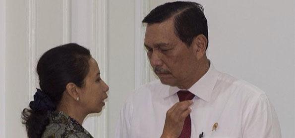 Tak Kunjung Di-Reshuffle, Pengamat: Ada 'Orang Kuat' di Belakang Menteri Rini