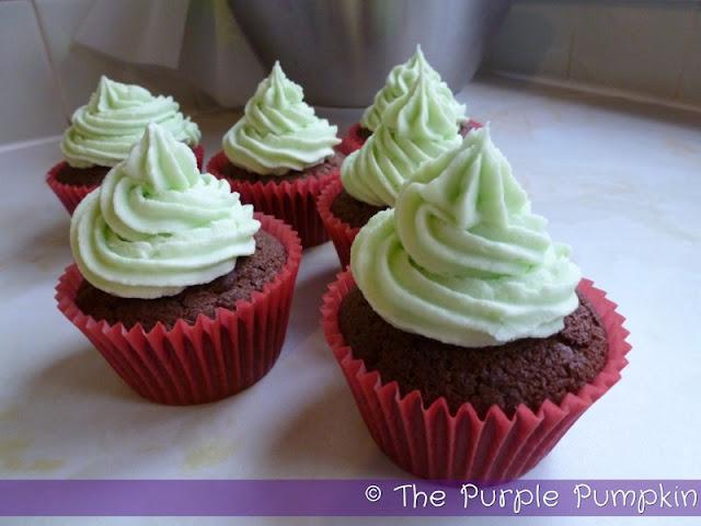 Mint Choc Chip Christmas Cupcakes | The Purple Pumpkin Blog