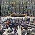 Câmara elege comissão de deputados para analisar o impeachment