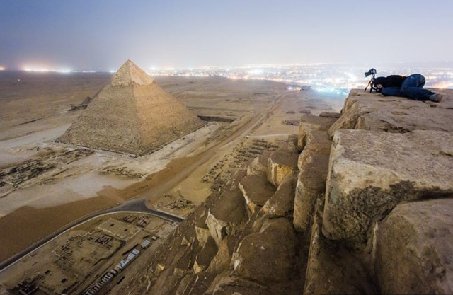 foto-yang-diambil-dari-puncak-piramid-secara-rahsia