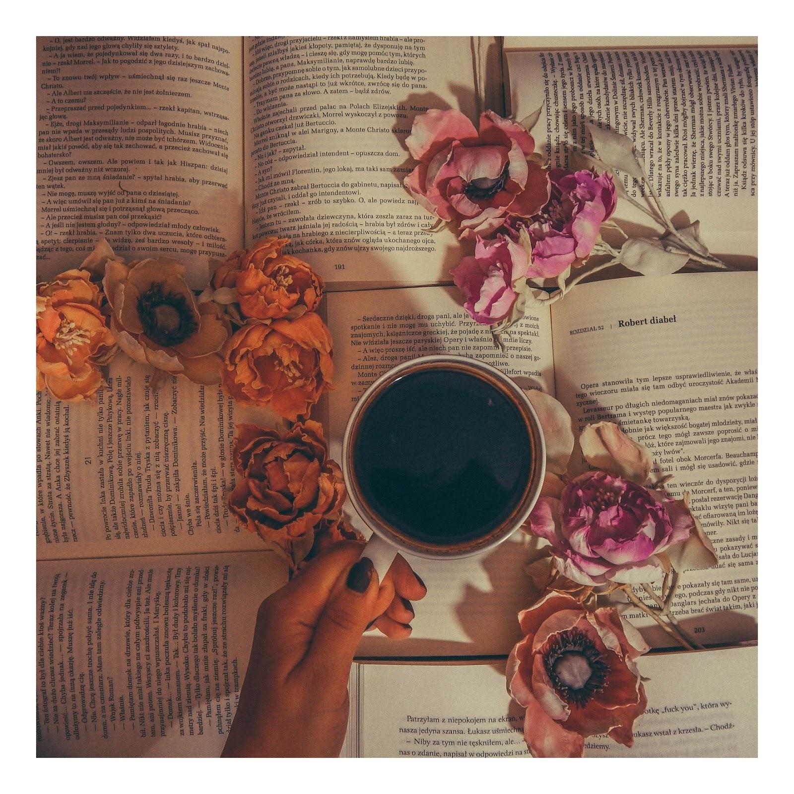 sztuczne kwiaty jak żywe wianki ślubne nietypowe kartki ślubne zaproszenia na roczek na urodziny na rocznicę imieniny diy do it yourself ręcznie robione kwiaty wywiad pomysł na biznes moonbird jak zrobić kwiatki flowers pinterest