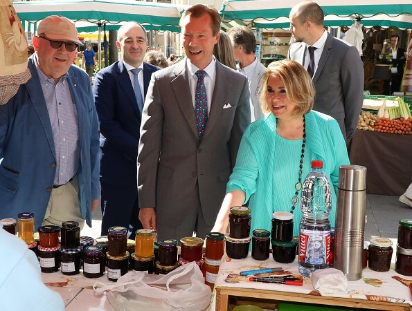 Grand Duke Henri, Grand Duchess Maria Teresa and Luxembourg Mayor Lydie Polfer visited an open-air market